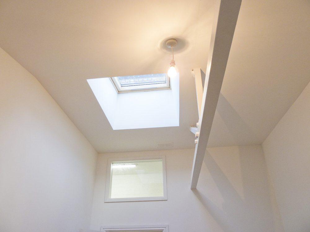 Room 2 – Sky window