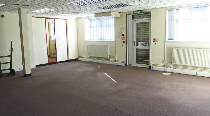 3100 sq ft warehouse unit in Barking IG11