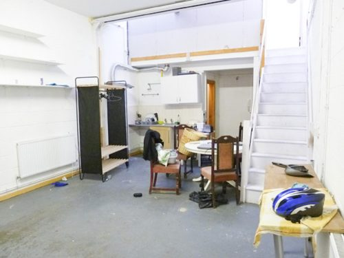 Live work unit to rent in Victorian warehouse in London, with 2 rooms, mezzanine floor and open area