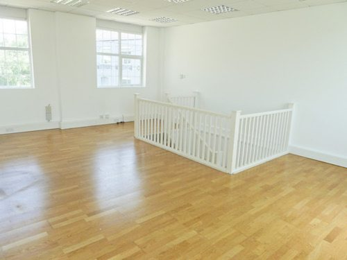 Live work style office available - 800 sq ft ground and first floor unit available to rent in High Barnet EN5