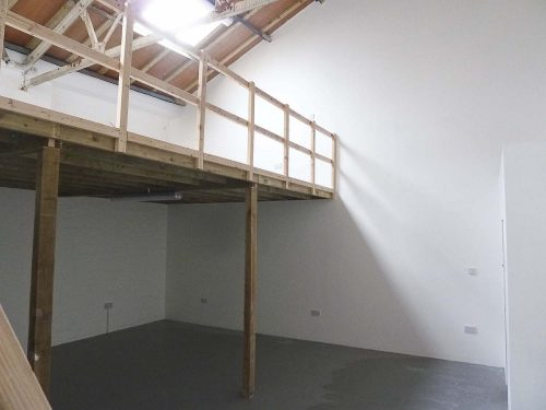 Live work style unit to rent – Ground floor warehouse conversion on Camden Road N7