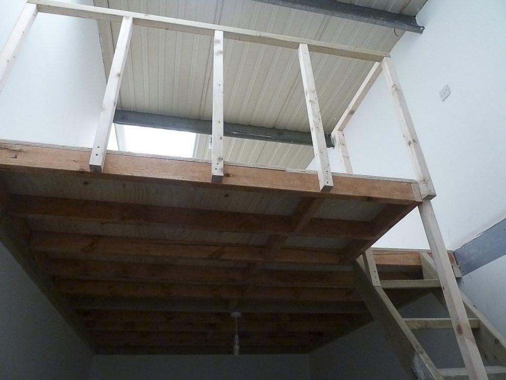 Room / mezzanine