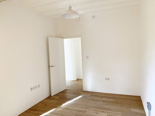 Room 1 – Live work style warehouse apartment to rent in SE13 Lewisham Old road