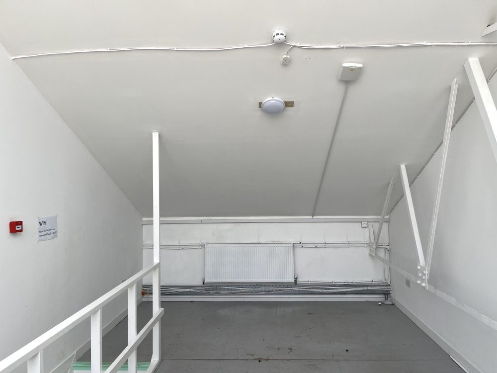 Mezzanine Studio Available to rent in N17 Mill Mead Road Pic22