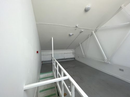 Mezzanine Studio Available to rent in N17 Mill Mead Road Pic24