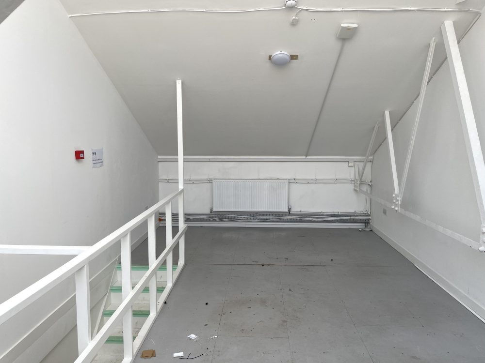 Mezzanine Studio Available to rent in N17 Mill Mead Road Pic26