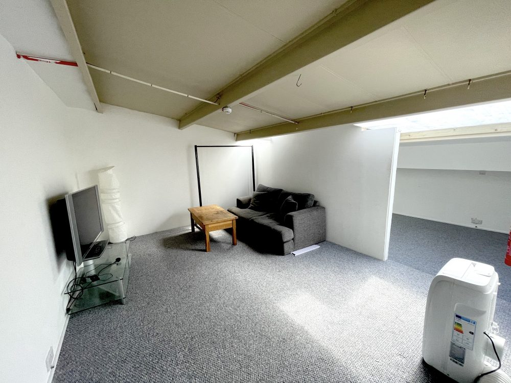 1st Flr Creative Studio Available To rent in E3 Hackney Wick Autmn Street Pic10