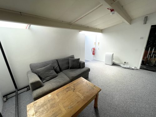 1st Flr Creative Studio Available To rent in E3 Hackney Wick Autmn Street Pic7