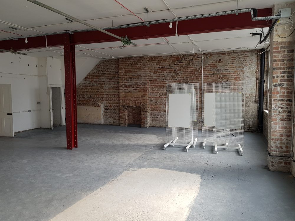 Huge light indurstrial unit to rent in E9 Belsham Street Pic1