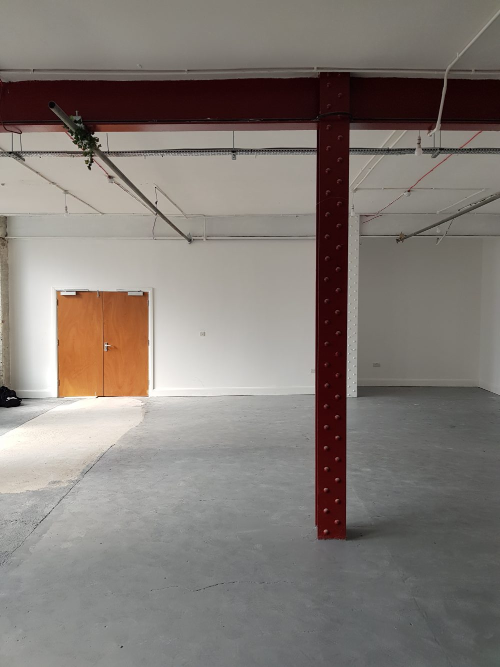 Huge light indurstrial unit to rent in E9 Belsham Street Pic11