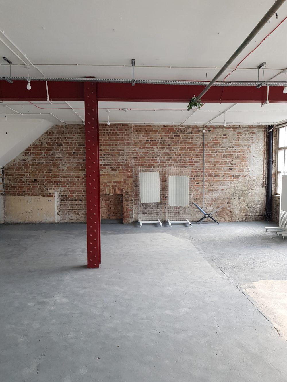 Huge light indurstrial unit to rent in E9 Belsham Street Pic26