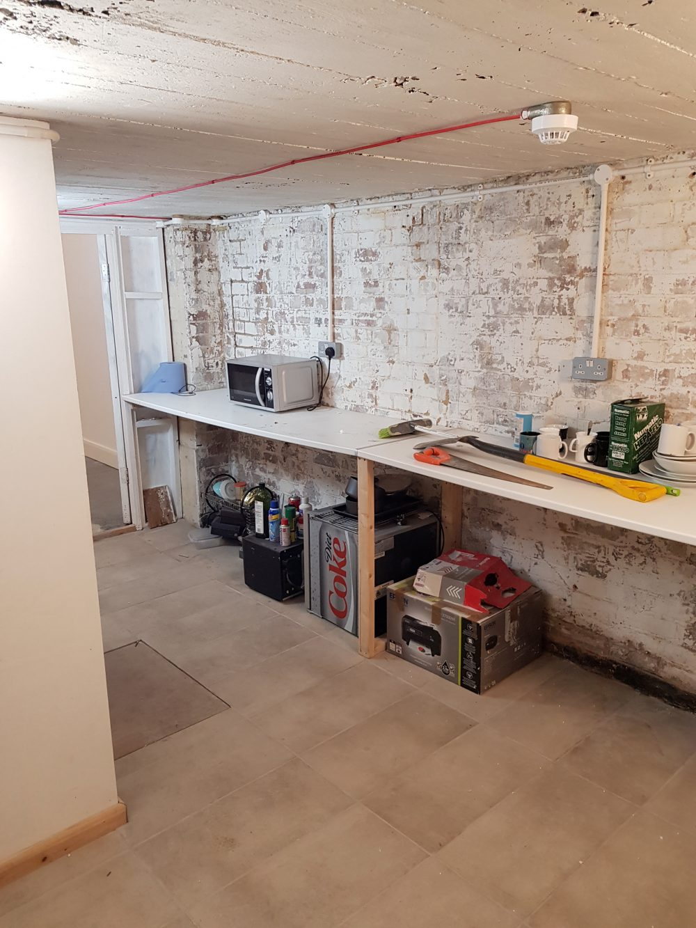 Light indurstrial unit to rent in E9 Tudor Grive Enter price House Pic22