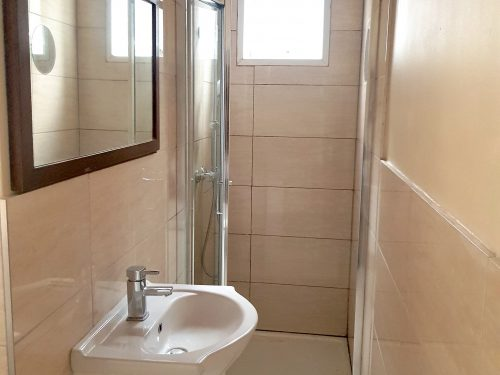2 Bed Flat to rent in N15 Manor House Pic 16