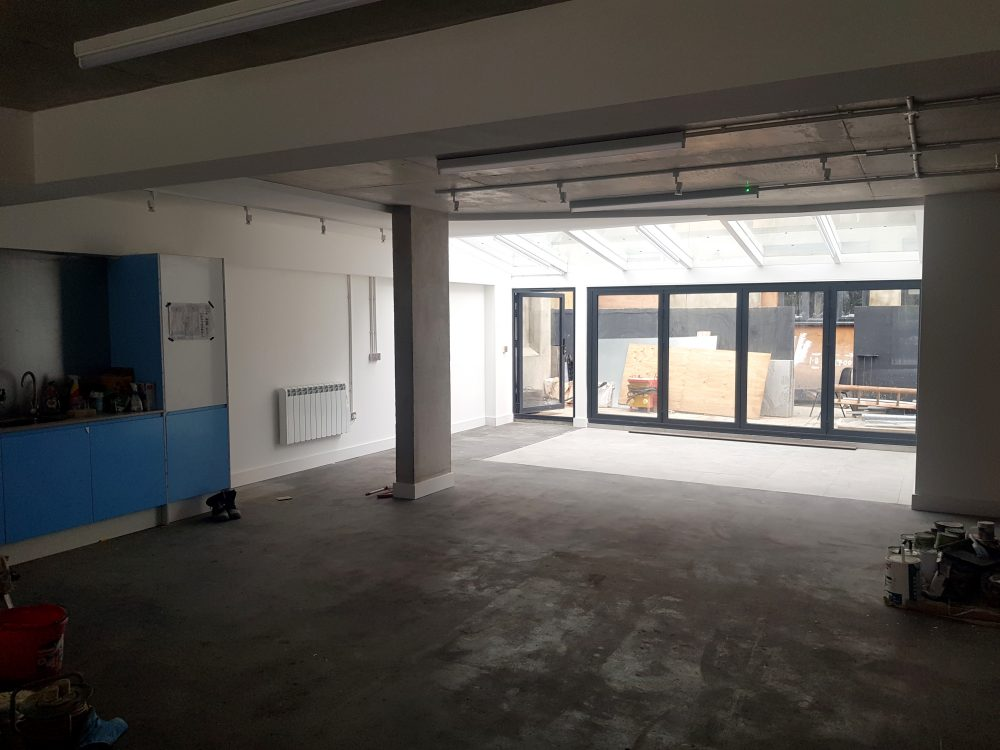 Huge light indurstrial unit to rent in E9 Tudor Grive Enter price House Pic1