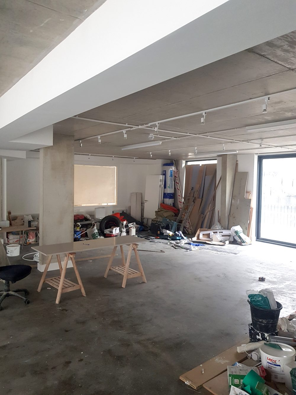 Huge light indurstrial unit to rent in E9 Tudor Grive Enter price House Pic27