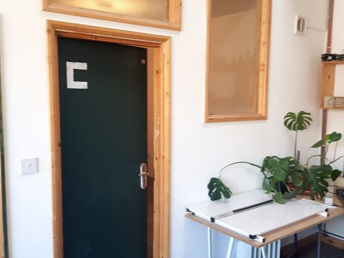 Light indurstrial unit to rent in N15 Markfield rd Gaunson House Studio B and C PIc19