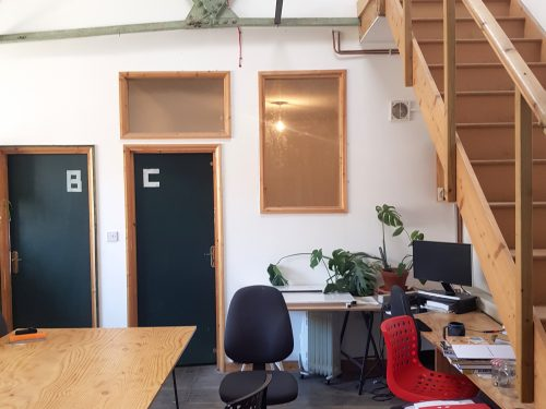 Light indurstrial unit to rent in N15 Markfield rd Gaunson House Studio B and C PIc25