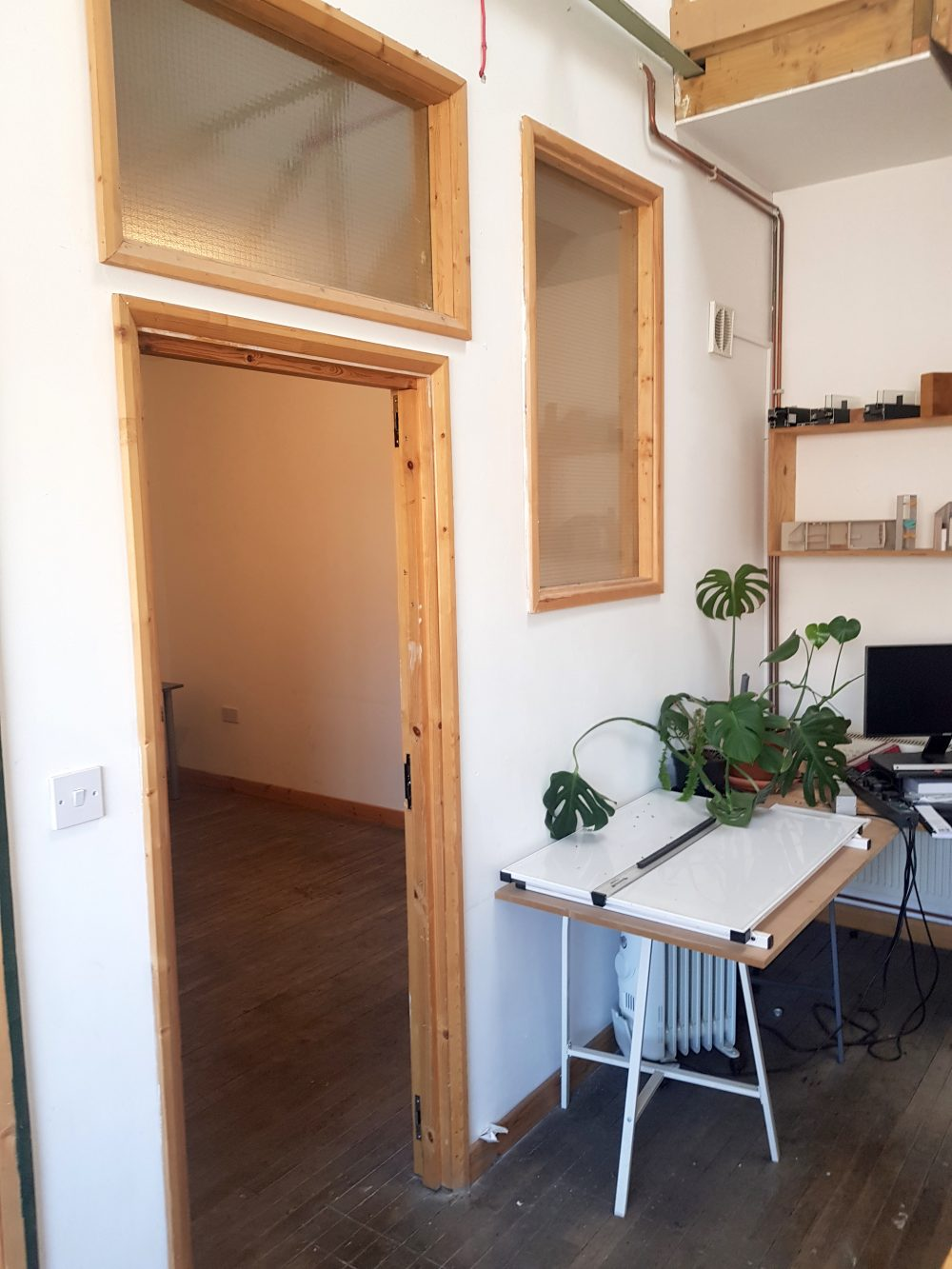 Light indurstrial unit to rent in N15 Markfield rd Gaunson House Studio B and C PIc5