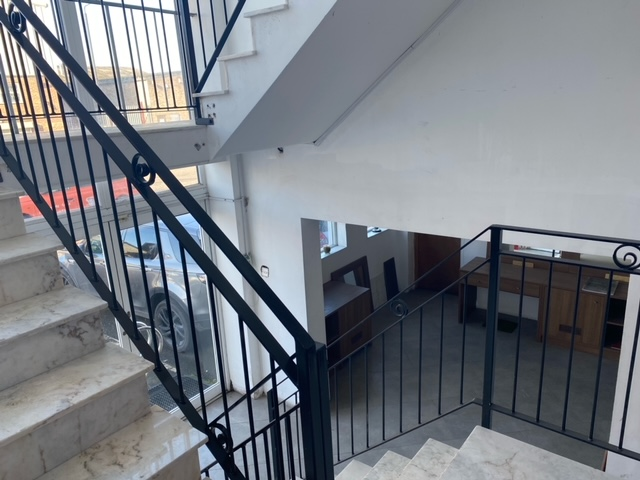 Warehouse to rent 3 floors 27000 Sq ft in E10 Rigg Approach 2