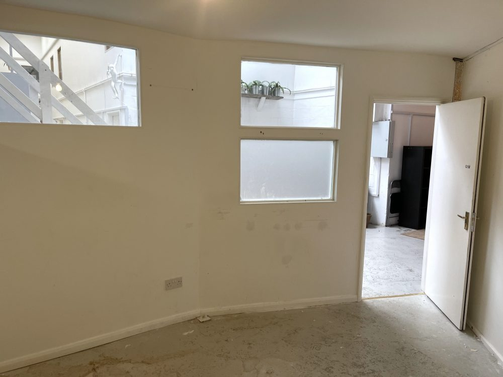 Creative Art Studio Available To rent in E9 Homerton London Pic2
