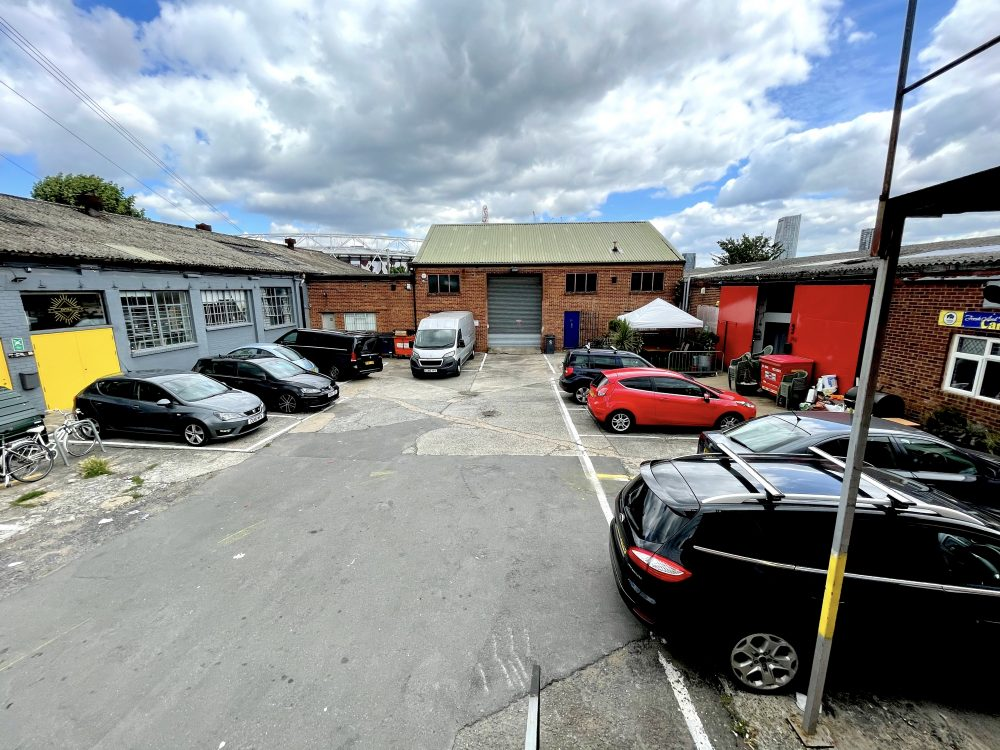 Huge Artist Studio Available To rent in E3 Hackney Wick Autmn Street Pic1