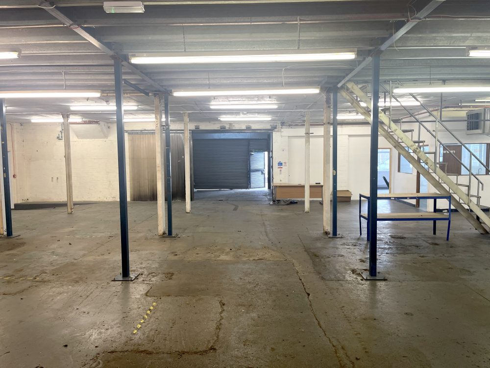 Light industrial Warehouse Space To Rent In N4 Manor House Florentia Clothing Village Nik Nak Cottage Pic15