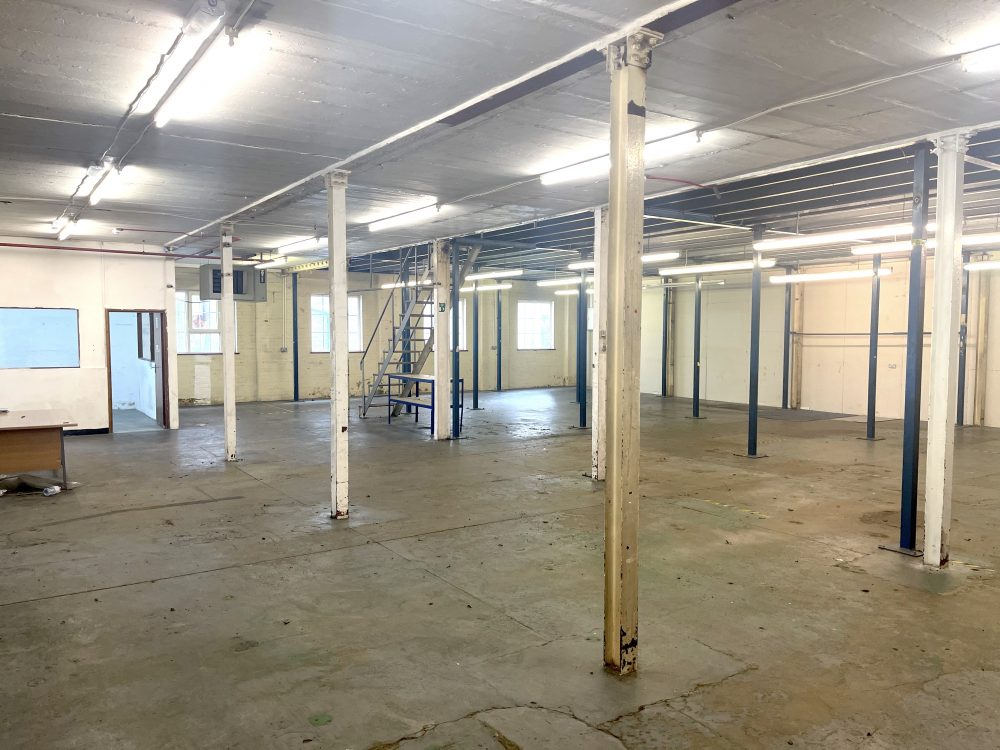 Light industrial Warehouse Space To Rent In N4 Manor House Florentia Clothing Village Nik Nak Cottage Pic20