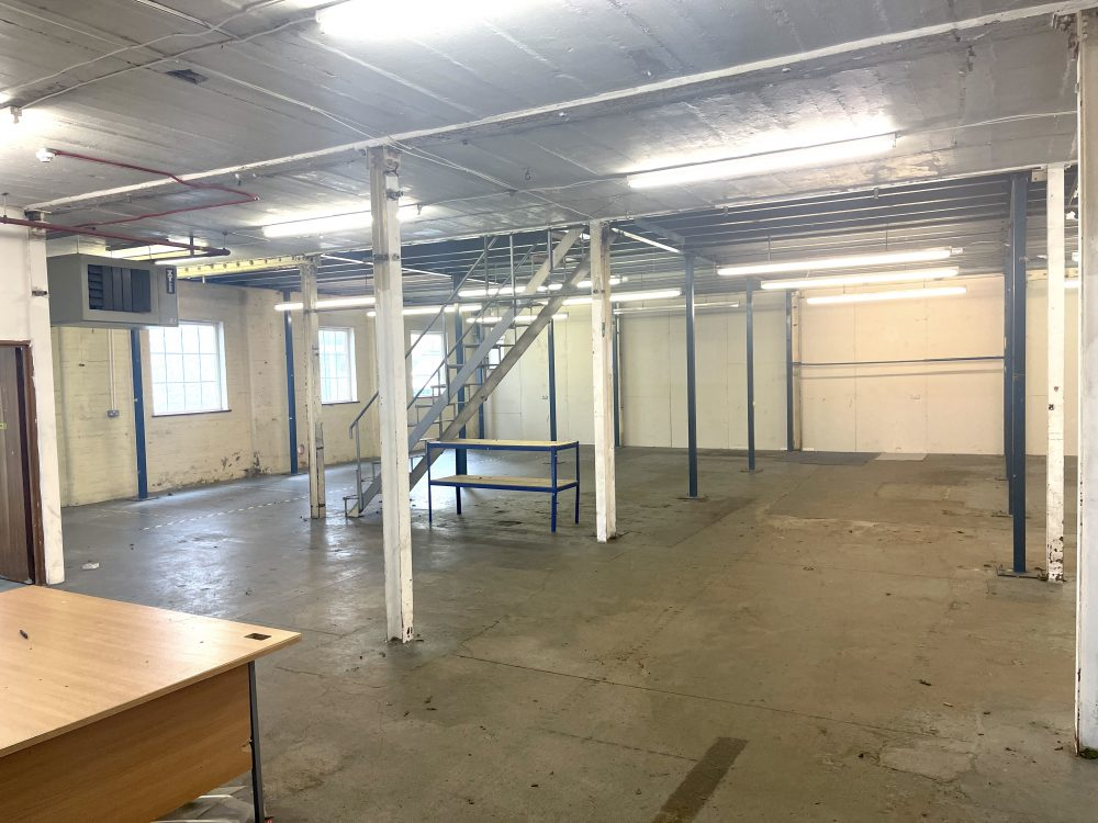 Light industrial Warehouse Space To Rent In N4 Manor House Florentia Clothing Village Nik Nak Cottage Pic22