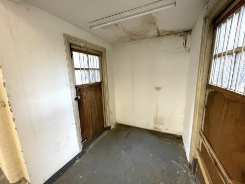 Light industrial Warehouse Space To Rent In N4 Manor House Florentia Clothing Village Nik Nak Cottage Pic3