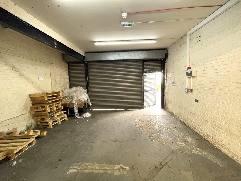 Light industrial Warehouse Space To Rent In N4 Manor House Florentia Clothing Village Nik Nak Cottage Pic5
