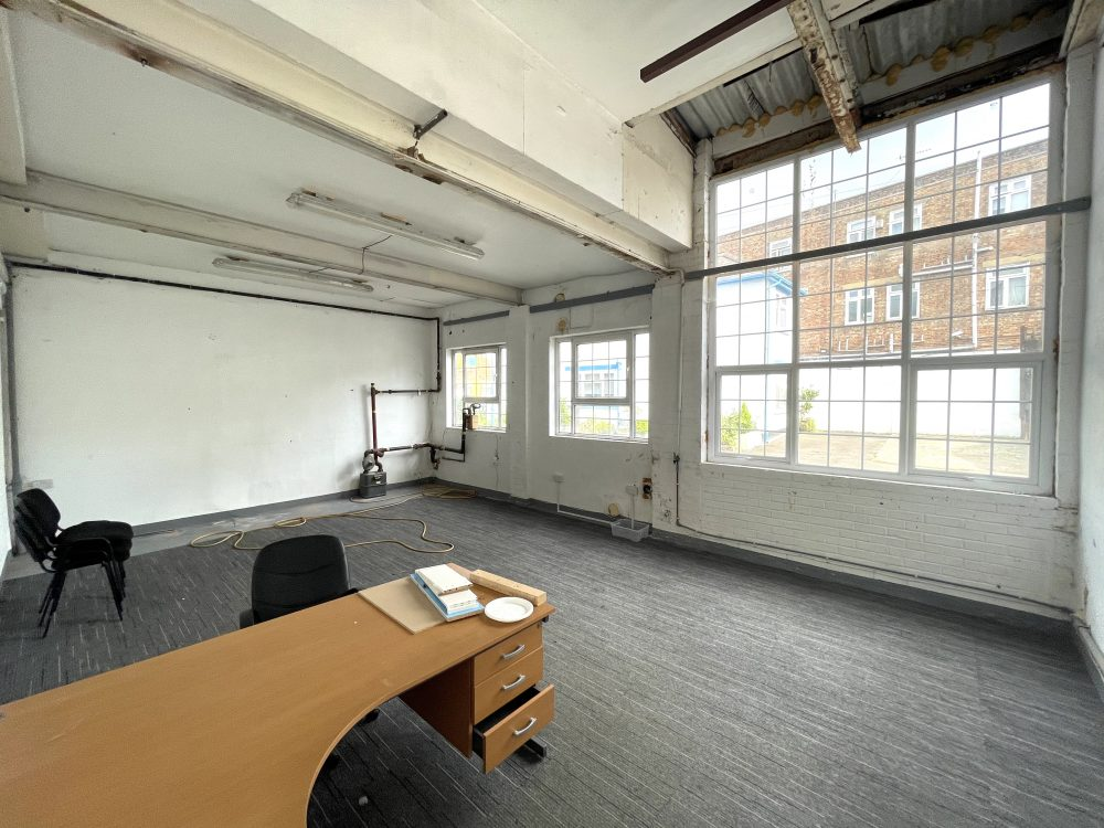 Light industrial Warehouse Space To Rent In N4 Manor House Florentia Clothing Village Nik Nak Cottage Pic6