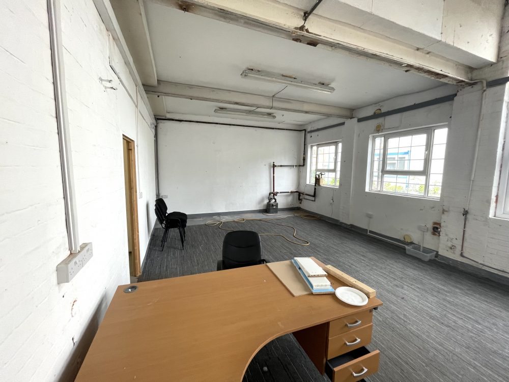 Light industrial Warehouse Space To Rent In N4 Manor House Florentia Clothing Village Nik Nak Cottage Pic7