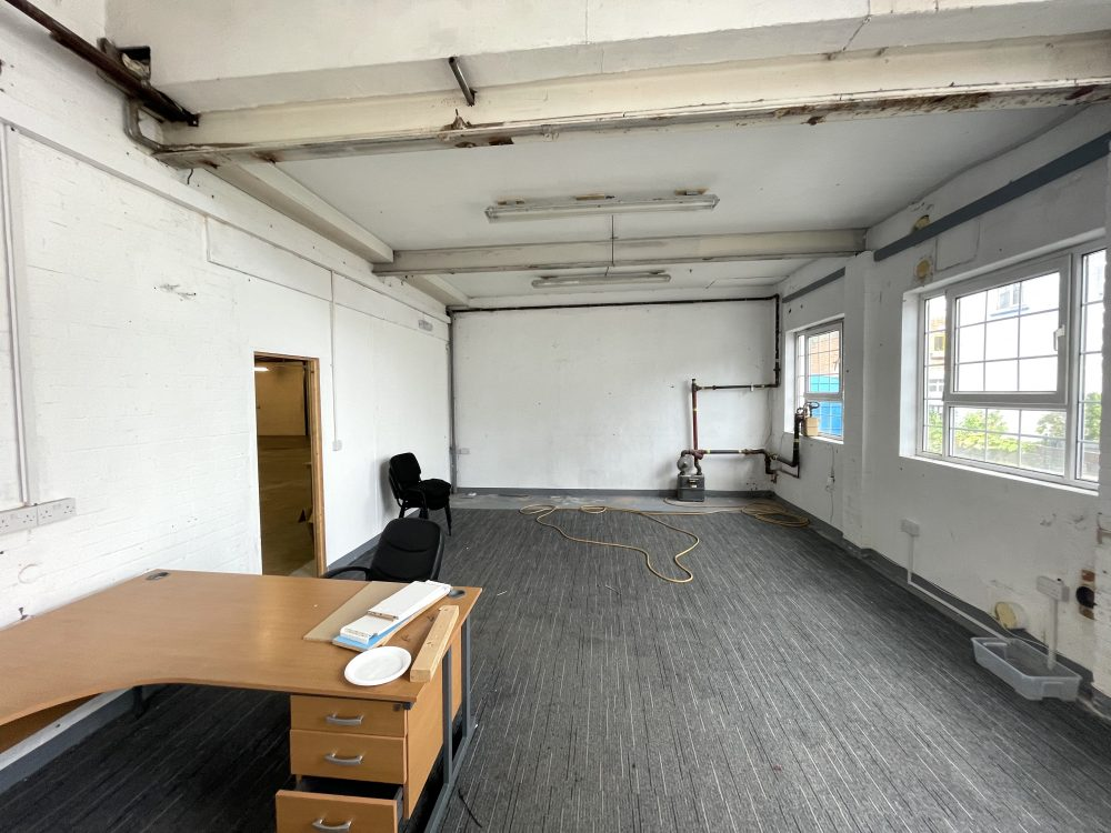 Light industrial Warehouse Space To Rent In N4 Manor House Florentia Clothing Village Nik Nak Cottage Pic8