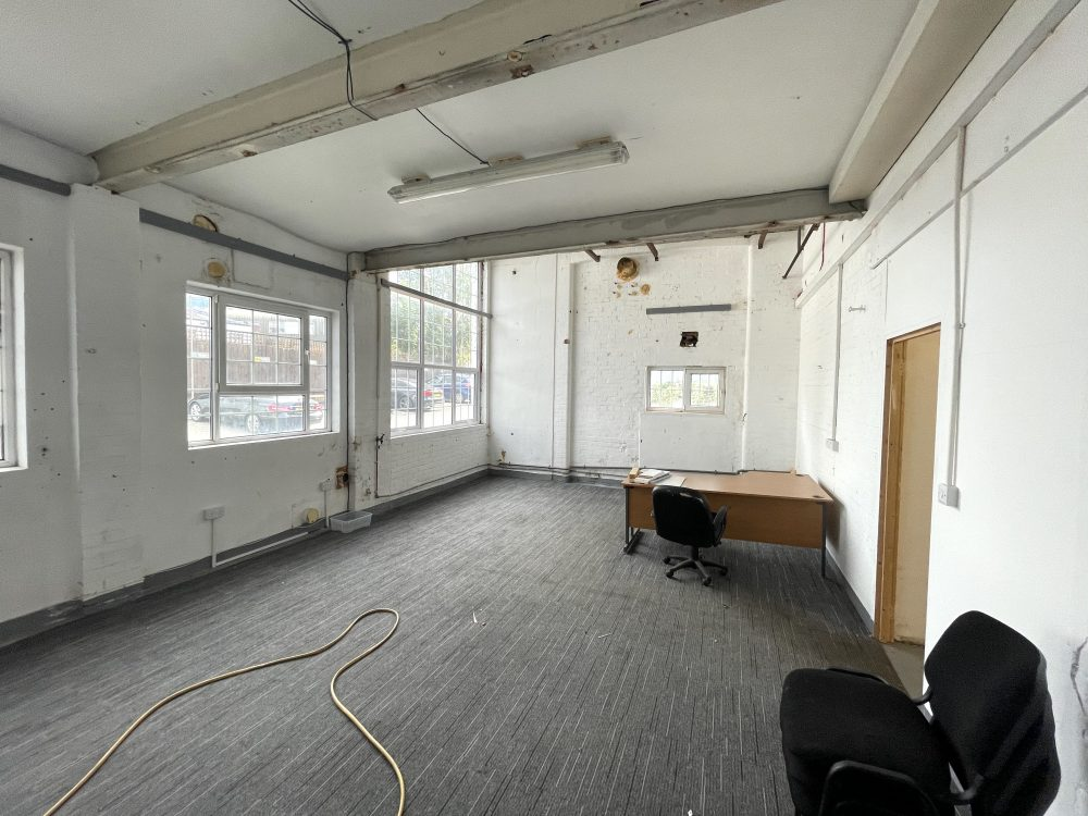 Light industrial Warehouse Space To Rent In N4 Manor House Florentia Clothing Village Nik Nak Cottage Pic9