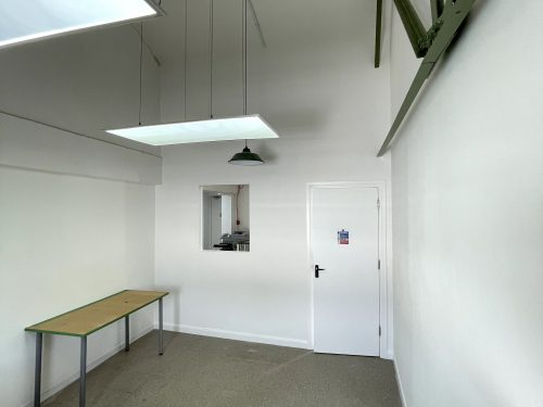 Studio Available to rent in N16 Green Lane Pic1
