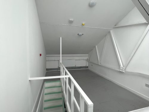 Studio Available to rent in N17 Mill Mead rd U5 Pic10