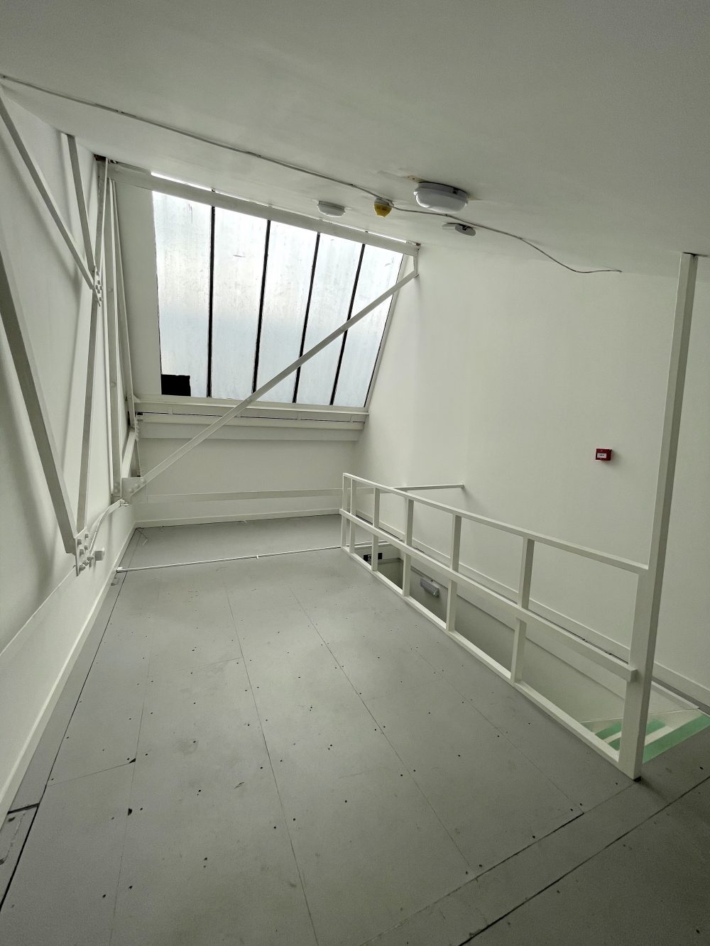 Studio Available to rent in N17 Mill Mead rd U5 Pic12