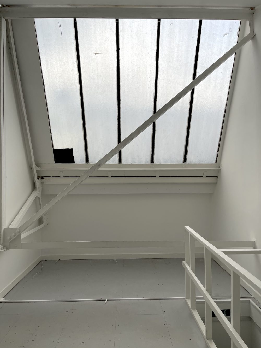 Studio Available to rent in N17 Mill Mead rd U5 Pic14