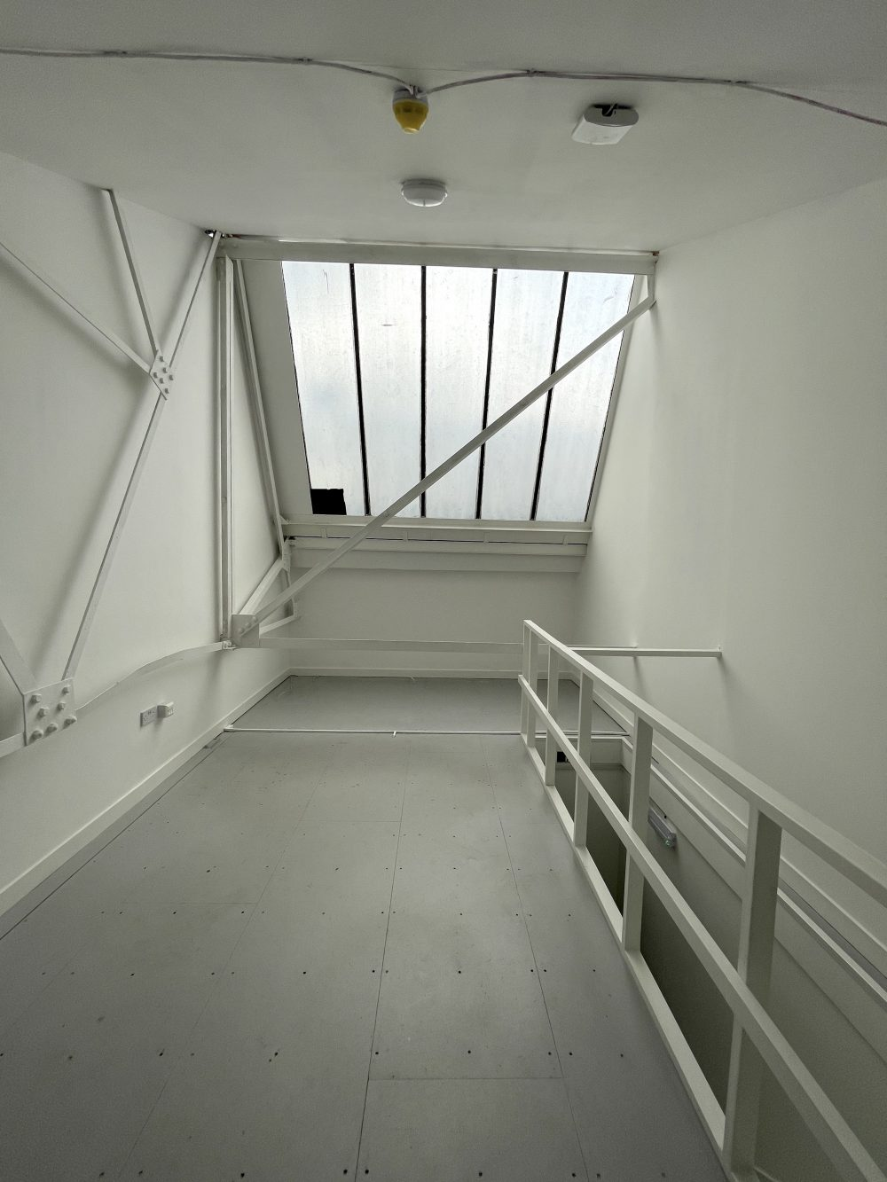 Studio Available to rent in N17 Mill Mead rd U5 Pic15