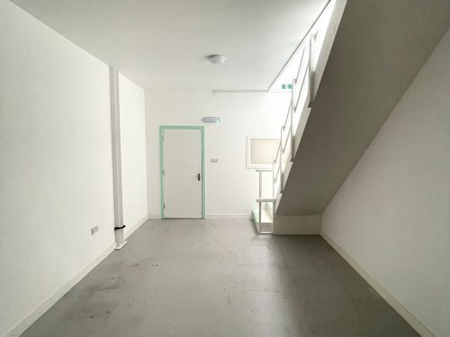 Studio Available to rent in N17 Mill Mead rd U5 Pic25