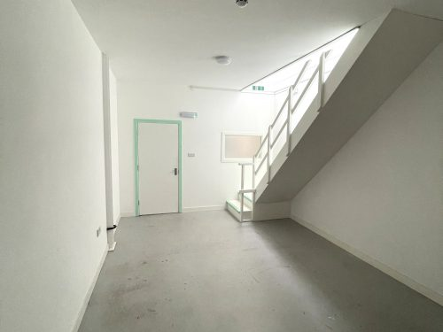 Studio Available to rent in N17 Mill Mead rd U5 Pic26