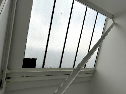 Studio Available to rent in N17 Mill Mead rd U5 Pic3