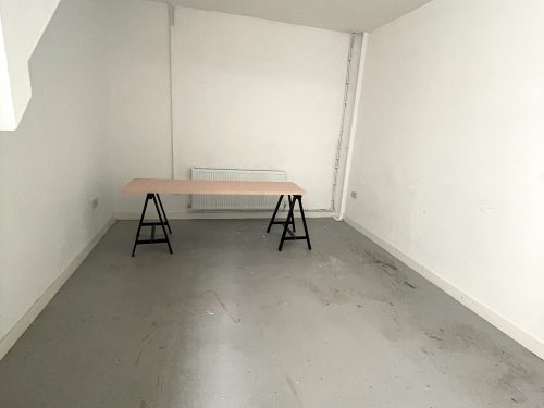 Studio Available to rent in N17 Mill Mead rd U5 Pic30