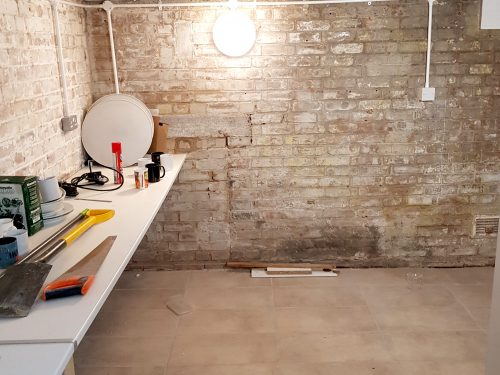Light indurstrial unit to rent in E9 Tudor Grive Enter price House Pic25