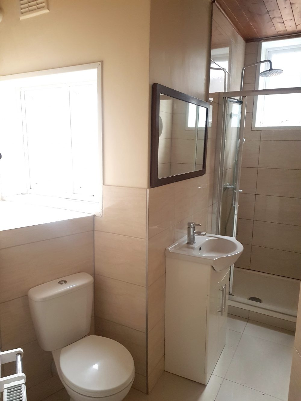2 Bed Flat to rent in N15 Manor House Pic 15