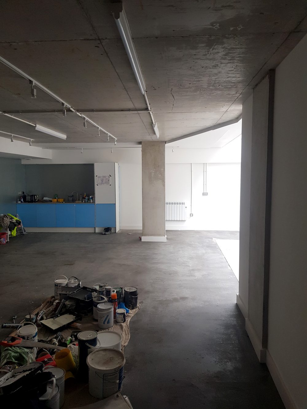 Huge light indurstrial unit to rent in E9 Tudor Grive Enter price House Pic10