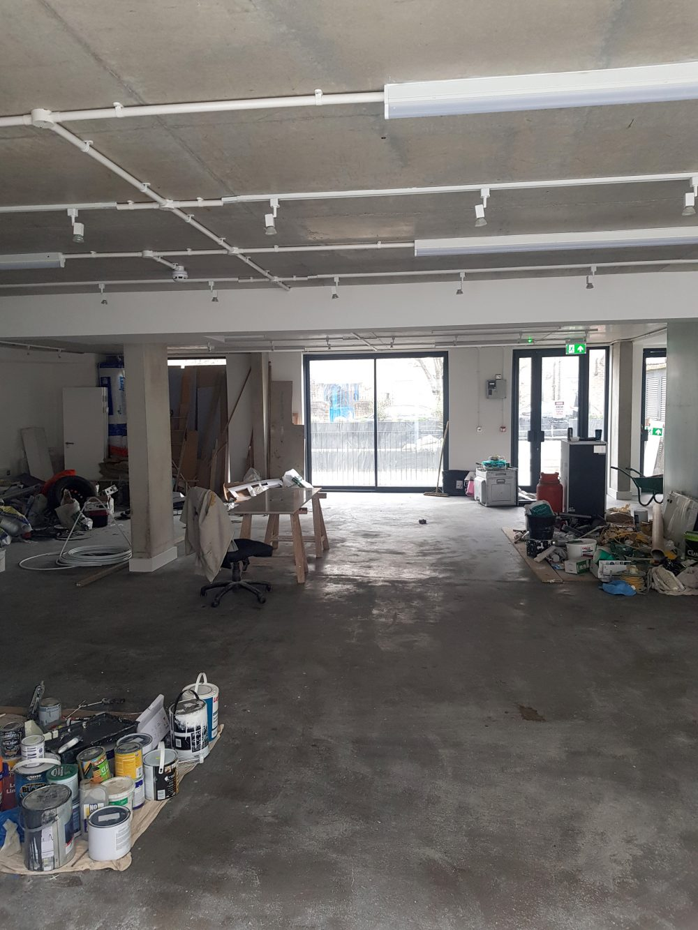 Huge light indurstrial unit to rent in E9 Tudor Grive Enter price House Pic18