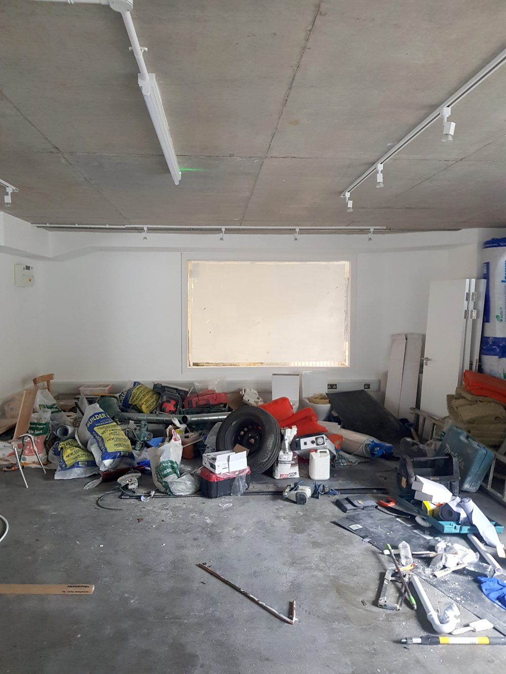Huge light indurstrial unit to rent in E9 Tudor Grive Enter price House Pic23