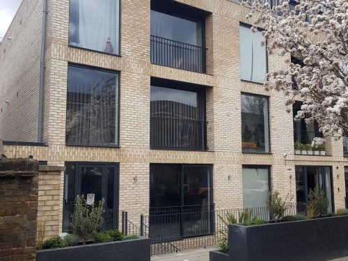 Huge light indurstrial unit to rent in E9 Tudor Grive Enter price House Pic40