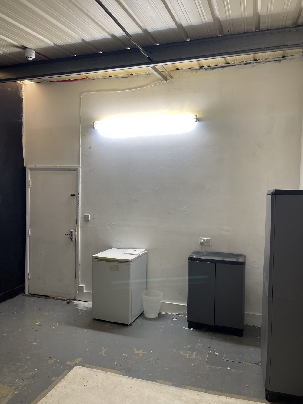 Light indurstrial unit to rent in N16 Stoke Newington Shelford Place PIc11